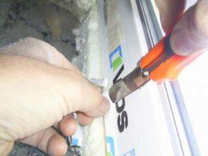 снятие присохшей пленки ножом
